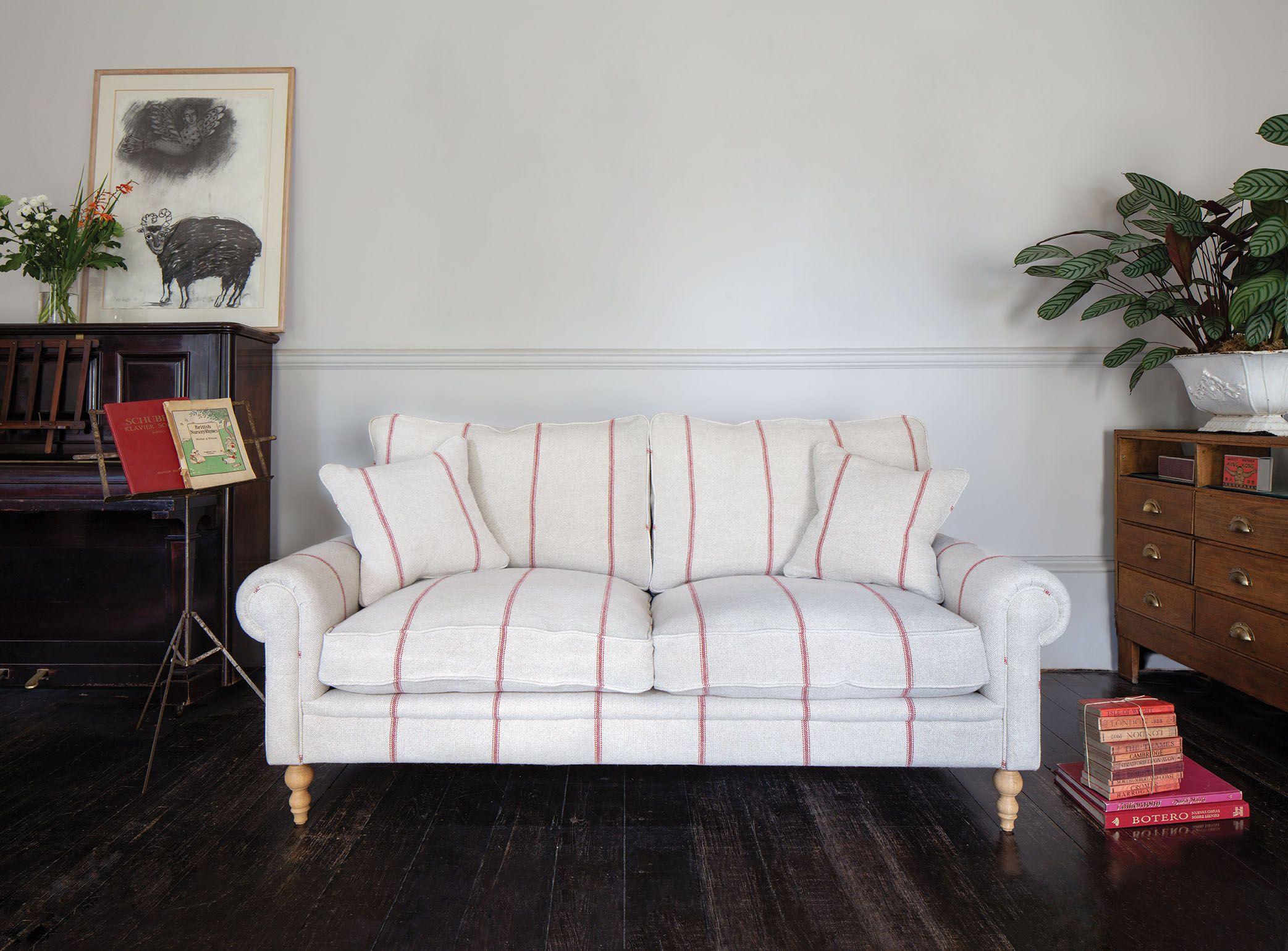 Aldingbourne 3 seater sofa in Grain Sack Red