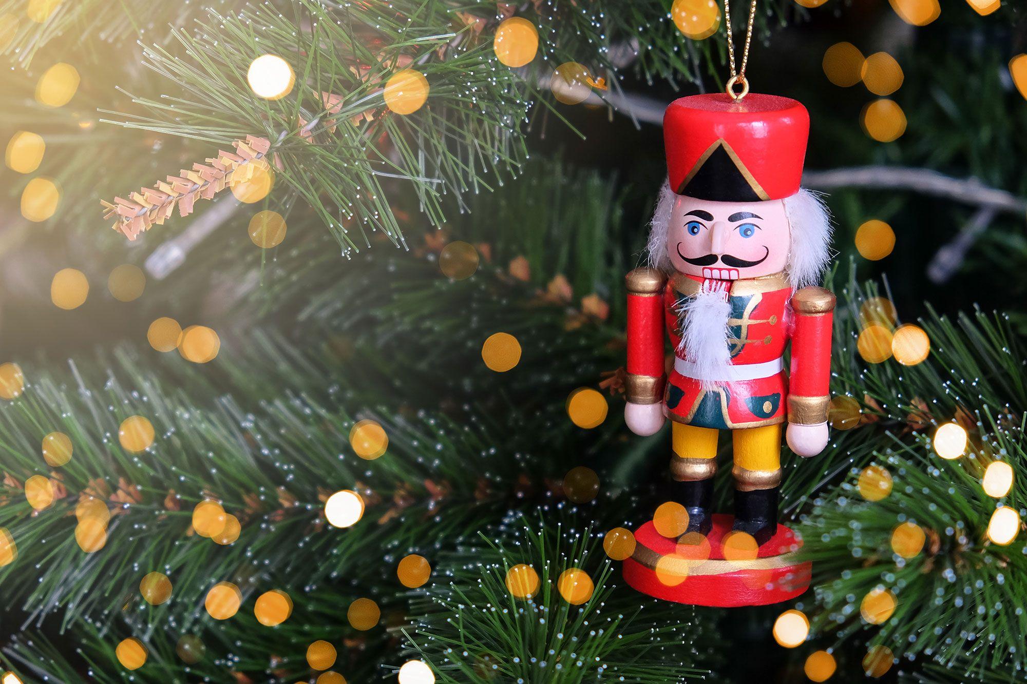 Tradition nutcracker Christmas tree decoration